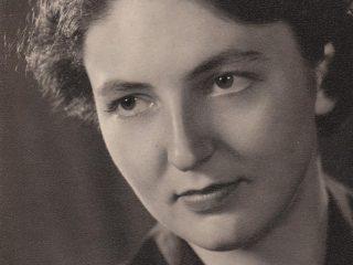Mary Wynne Warner
